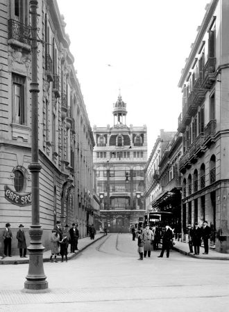 1918 Calle Bacacay